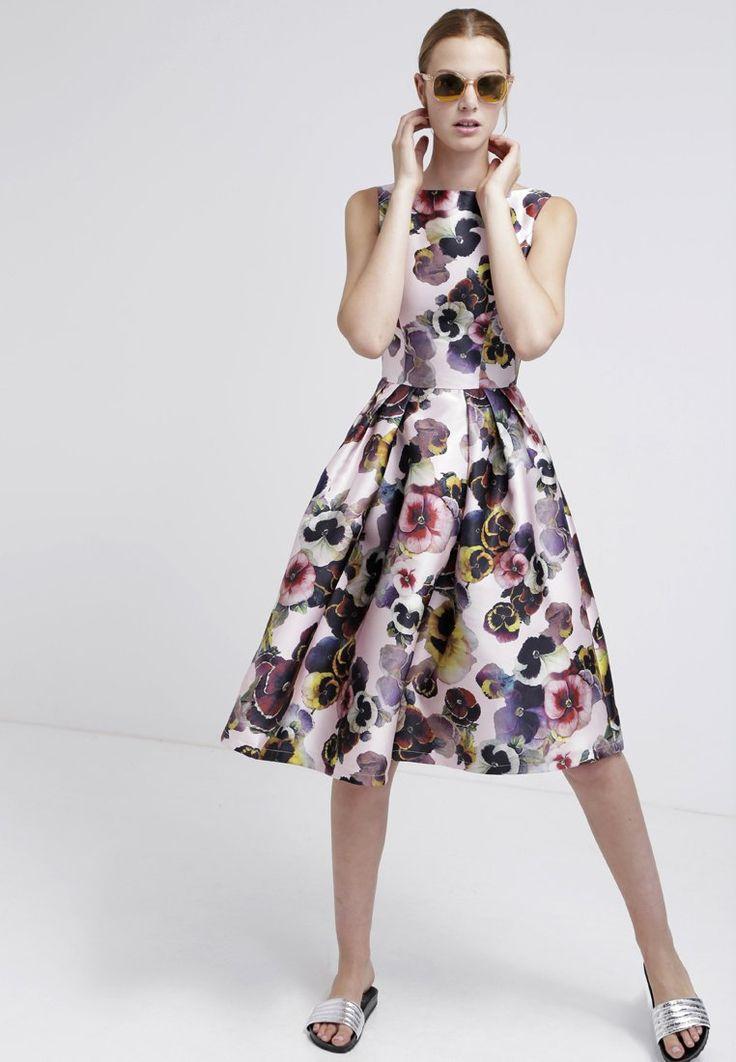 Lo stile floreale, alcune proposte di abiti eleganti