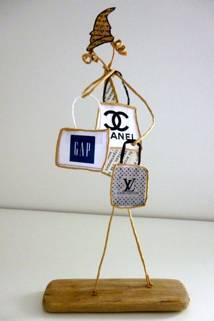 La reine du shopping - figurines en ficelle et papier