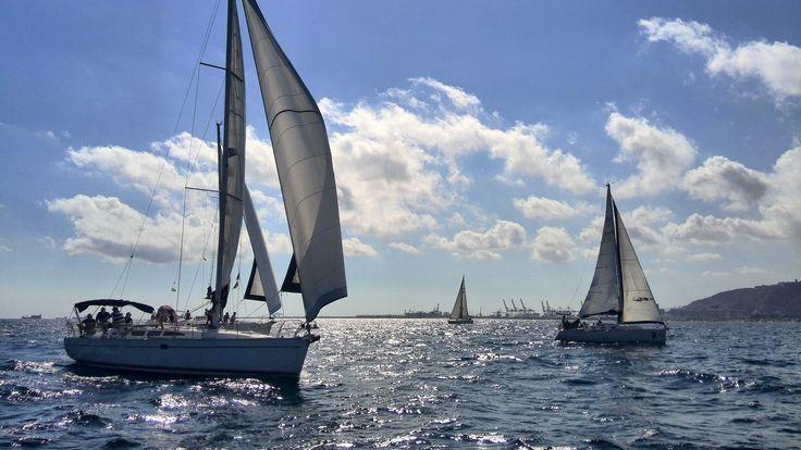 VELA . Prácticas homologadas - Si quieres la habilitación de tu título (PNB, PER, PY o CY) para gobernar veleros, las prácticas voluntarias de navegación a vela es lo que necesitas.