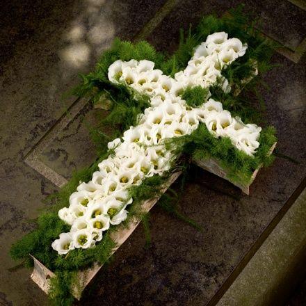 Mourning arrangement - cross