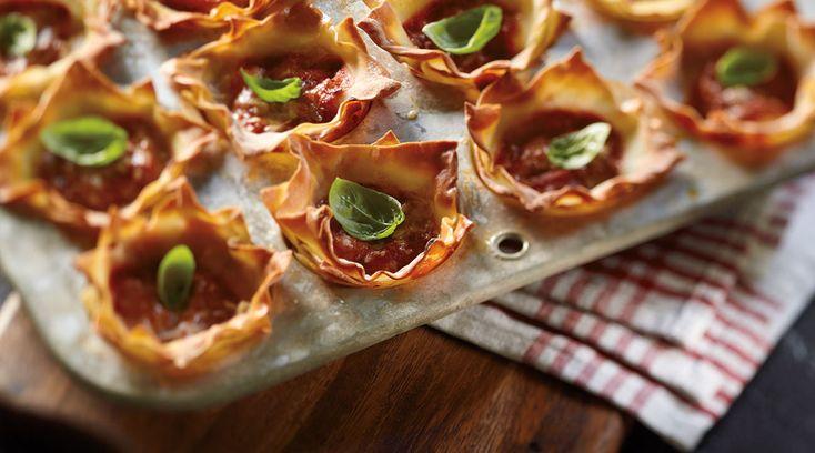 Façon simple et unique de servir la lasagne, ces Petits gâteaux de lasagne de Tre Stelle sont une collation ou un lunch satisfaisant! #Unehistoiredamouraveclefromage #Lasagne