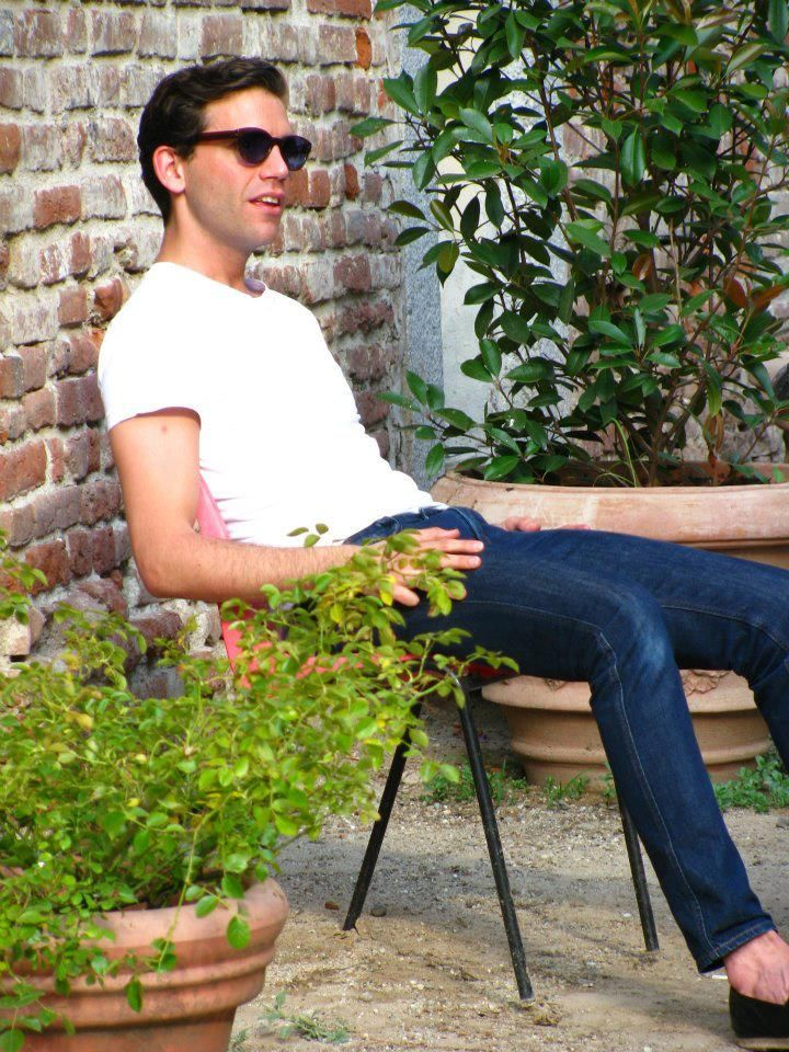 Mika relaxing as he's being interviewed