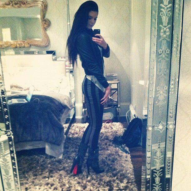 Kylie Jenner Bedroom: 25+ Best Ideas About Kendall Jenner Room On Pinterest