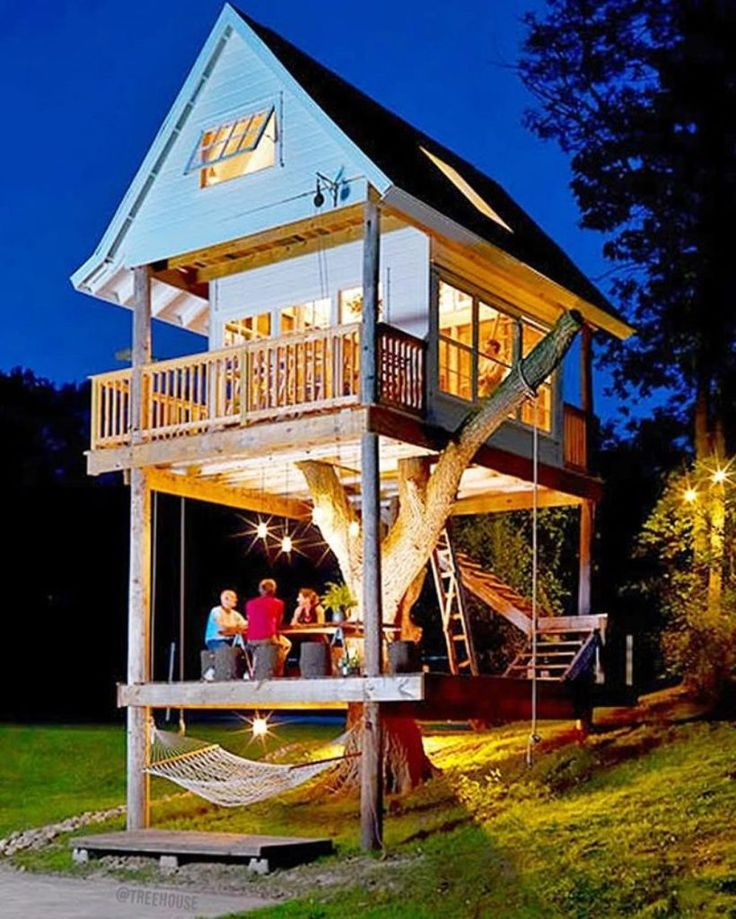 Creative Tree House Design With Loft Attic