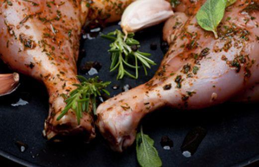 Συνταγή: Μαρινάδα για γαλοπούλα και παϊδάκια στα κάρβουνα (του Άκη)