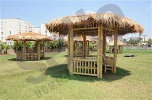 Ürünün tamamı doğal bambudan oluşmaktadır. 12 ay dış ortamda kalabilir. Aşırı rüzgâra maruz kalabilecek ortamlarda zamine sabitlenebilir. Bambu masa ve bankları ile stor perdeleri paket dahilindedir. 24 Ay Garantili