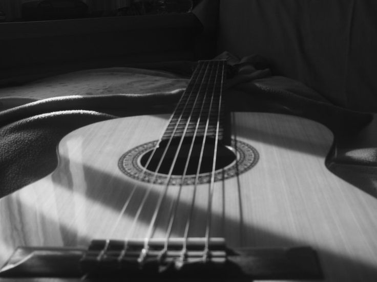 28 best black and white guitar images on pinterest guitars musical instruments and music. Black Bedroom Furniture Sets. Home Design Ideas