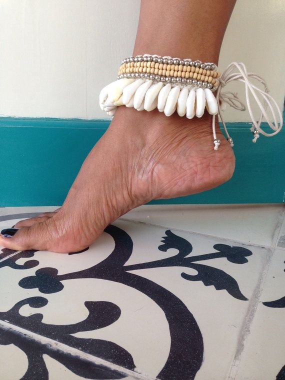 Rumbai cowrie shell anklet  by Eklektikbutik on Etsy