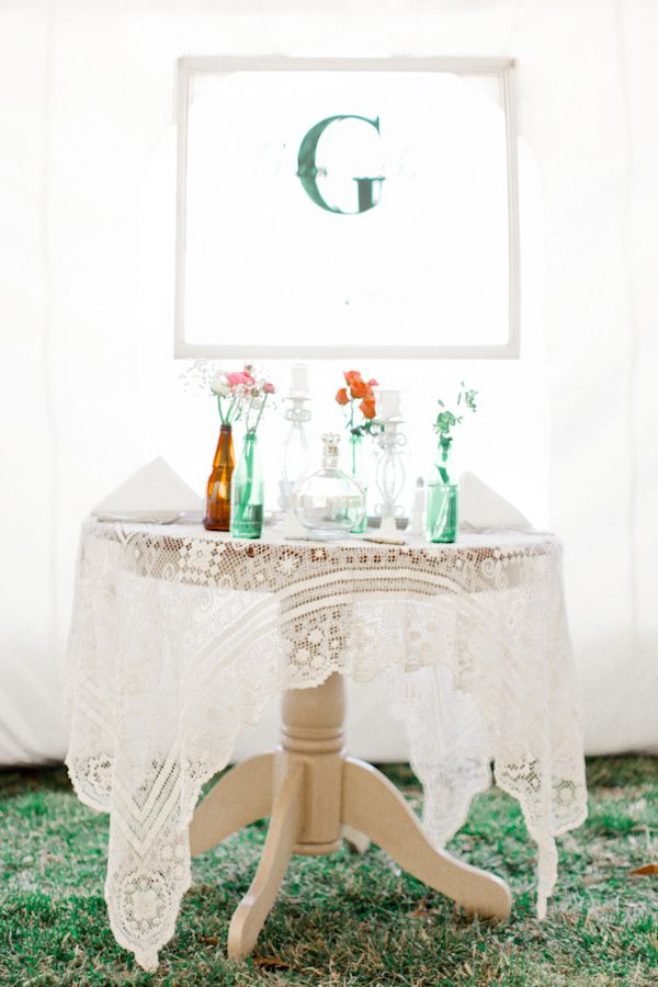 sweetheart table ideas http://www.weddingchicks.com/2013/08/28/vintage-backyard-wedding-2/