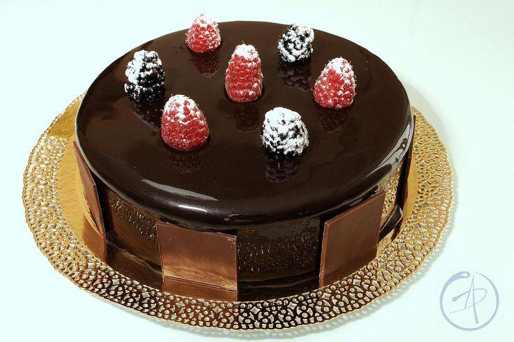 Da Dolcemente di Maurizio Santin I-Gino torta dedicata a Massari e Fabbri, mousse al cioccolato di M. Santin, torte moderne M. Santin