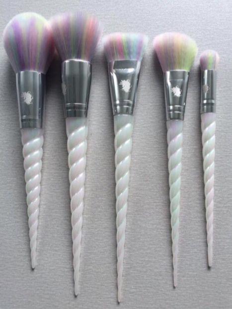 Resultado de imagem para unicorn makeup brushes