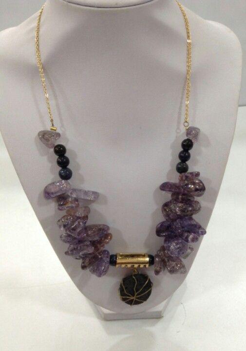Collar amatistas, onix y piedra volcanica. Diseño exclusivo de @LapizLazuliacce. Visita nuestra tienda online www.lapizlazuliaccesorios.com. Siguenos en instagram @Lapizlázuliaccesorios.