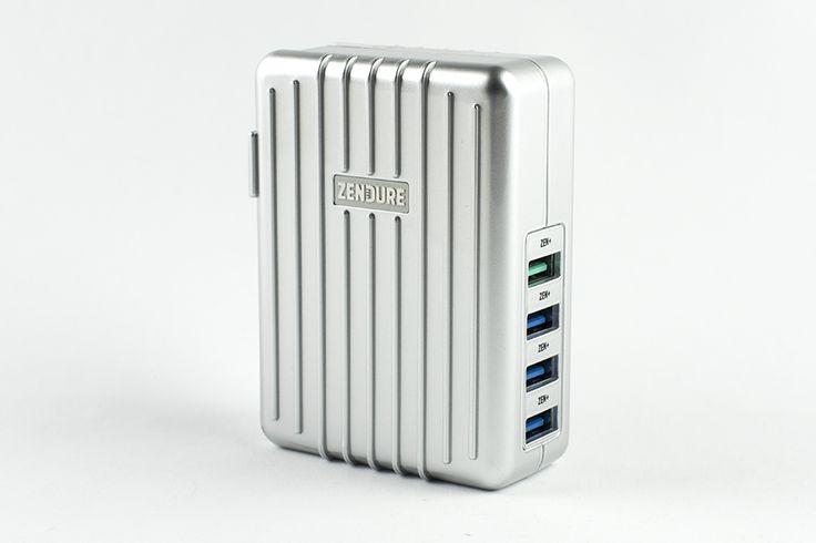 Un caricatore USB da parete nell'inconfondibile stile Zendure