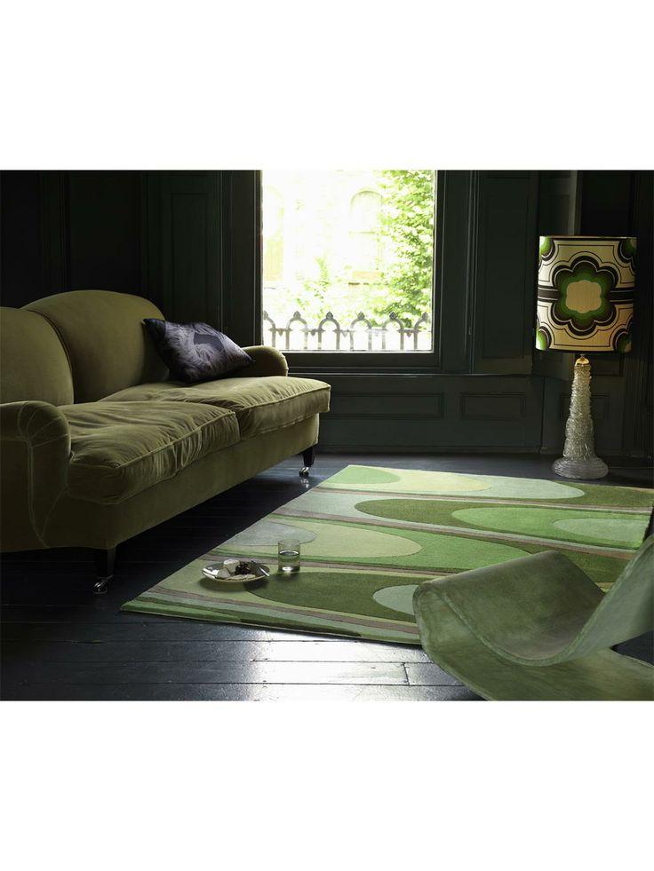 Das harmonisch fließende Wellen-Muster des Teppichs benuta Harlequin Warp versprüht den Esprit der 70er Jahre. Zugleich ist der Harlequin Warp aber auch sehr modern und fügt sich bestens in eine zeitgemäße Einrichtung ein. Die strapazierfähigen Polyacryl-Fasern, aus denen der Teppich handgetuftet wird, erlauben eine einfache Reinigung. #benuta #teppich #interior #rug #retro