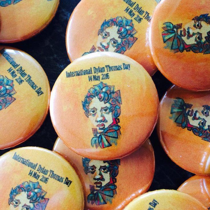 "Quickbadge on Twitter: ""Happy #DylanThomasDay #dylanthomas 25mm #printed  button #pin #badges @Quickbadge  #UKLateHour #womeninbiz https://t.co/V6RsJZkqD9"""