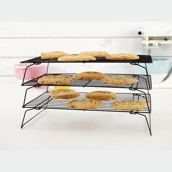 Merk Light Cabinet 3 Tingkat Rak Pendingin Kue Roti Cookies