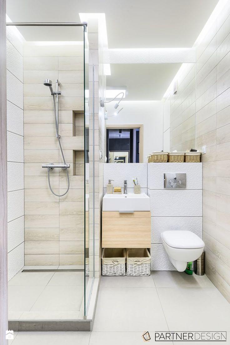 KAWALERKA - Mała łazienka w bloku bez okna, styl skandynawski - zdjęcie od…