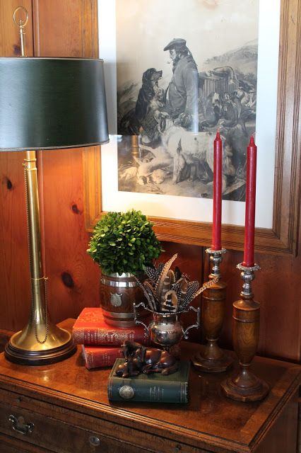 A beautiful, traditional-style display taking its inspiration from Scotland, the greens and reds of tartan and the natural environment of the Highlands
