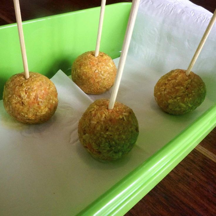 Recipe Healthy RAW Carrot Cake Pops for Back to School by mish mash - Recipe of category Desserts & sweets