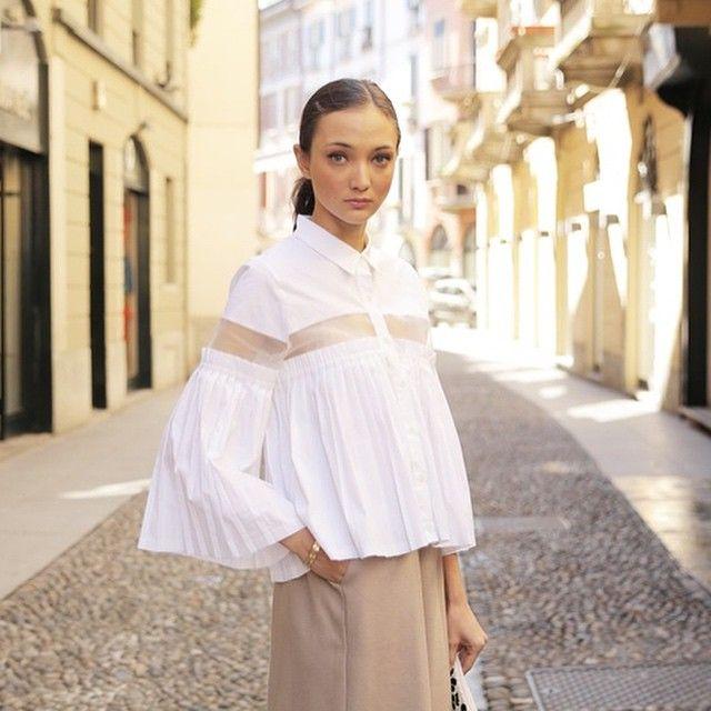 #分享Instagram# We don't do basic buttoned down. We do the Natalie Pleated White blouse, work wear #perfection. #ootd #fashion