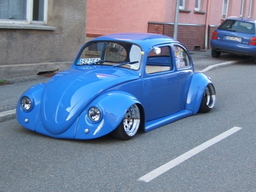 "VW Beetle ""Blue Lowrider"""