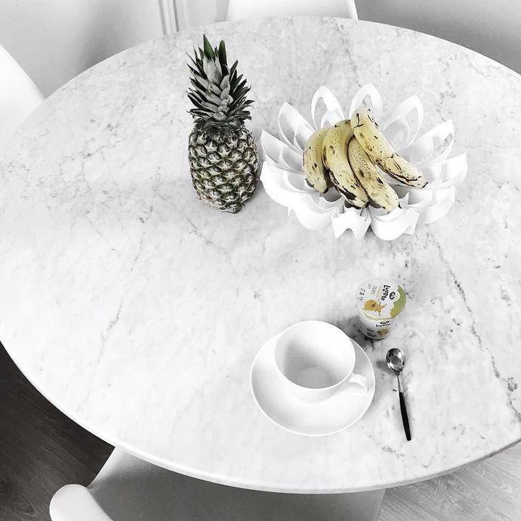 Janne Naakka's breakfast setting & Petals fruit bowl / Photo by Janne Naakka