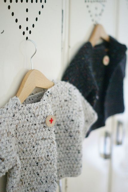 Gilets au crochet en laine épaisse.