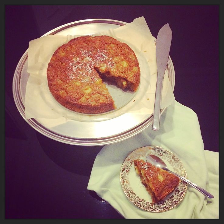 Apple + maple syrup cake