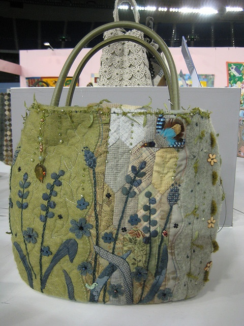 Quilted Bag Idea.  I love everything about this bag - colours, hand stitching, pocket, ...