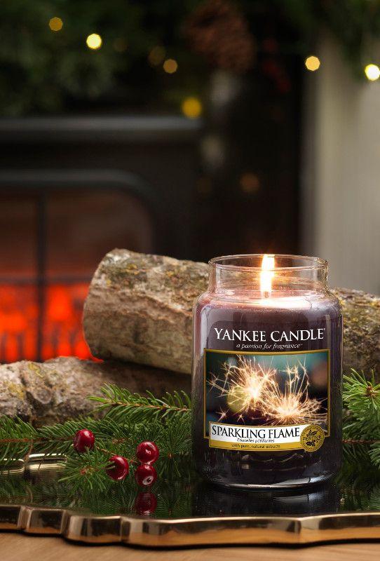 L Jar-Sparkling Flame En doft av spännande rökelser och kryddor som sprider mysig värme en sval festnatt. Special Appearances - Delikata möjligheter ... dofter som erbjuds under en begränsad tid och långt lagret räcker.