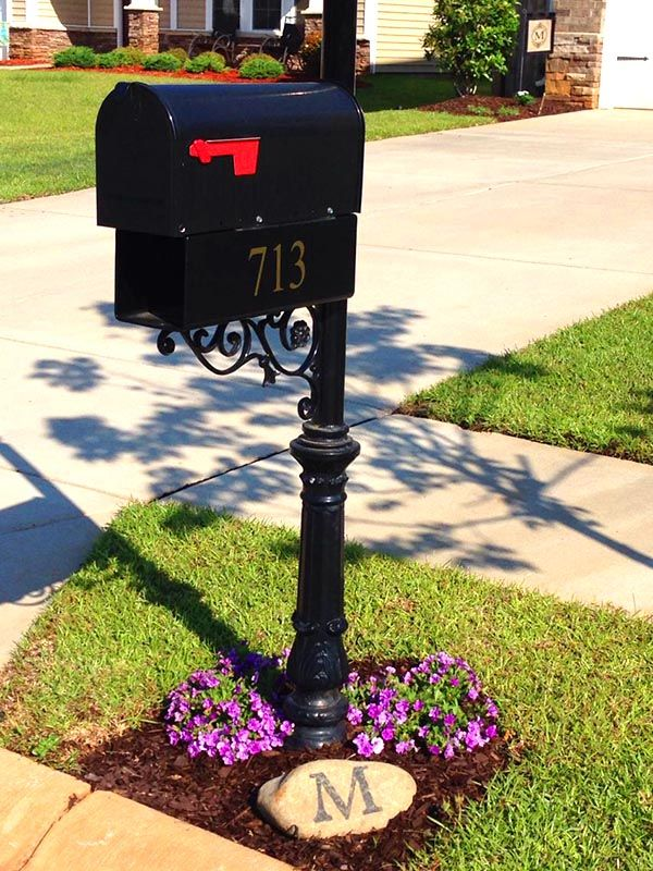 24 Charming Flower Beds Around Mailboxes Mailbox