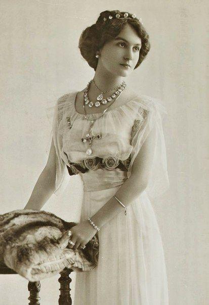 Ивонна Бланш Лабрусс - Мисс Франция 1930