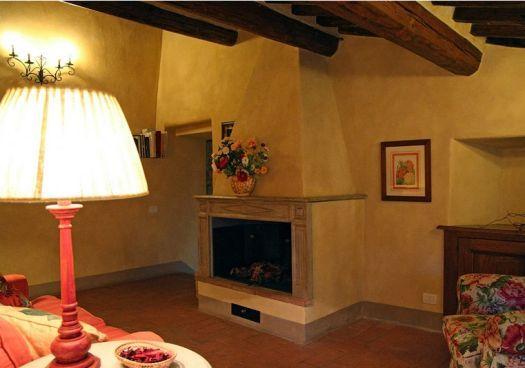 Salottino lettura con caminetto - Bed and Breakfast Antico Podere Marciano #Chianti #Tuscany