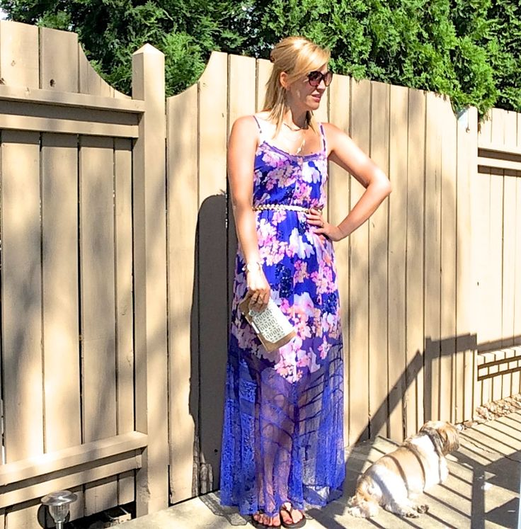 Could this Lace Maxi Dress be anymore gorgeous? It's perfect for a date night, drinks with the girls and for your everyday life. It's perfect #lacemaxidress #fashion #style #summerstyle #stelladotstyle #nolitacrossbody #stelladotparkersunglasses