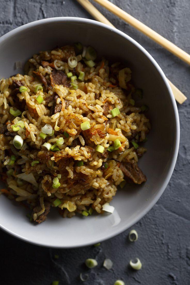 Fried rice, gebakken rijst, is net zo simpel te maken als het klinkt. Maar waarom is…