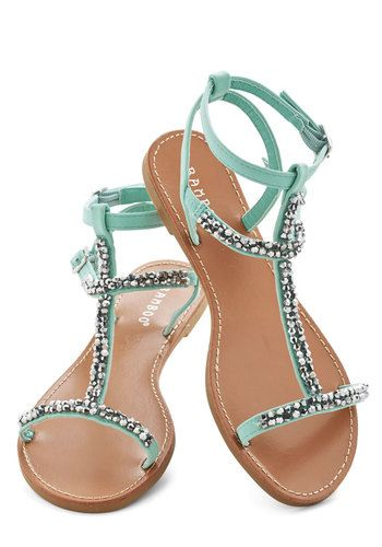 Beachside Browsing Sandal #modcloth #ad *daydreaming of the ocean...