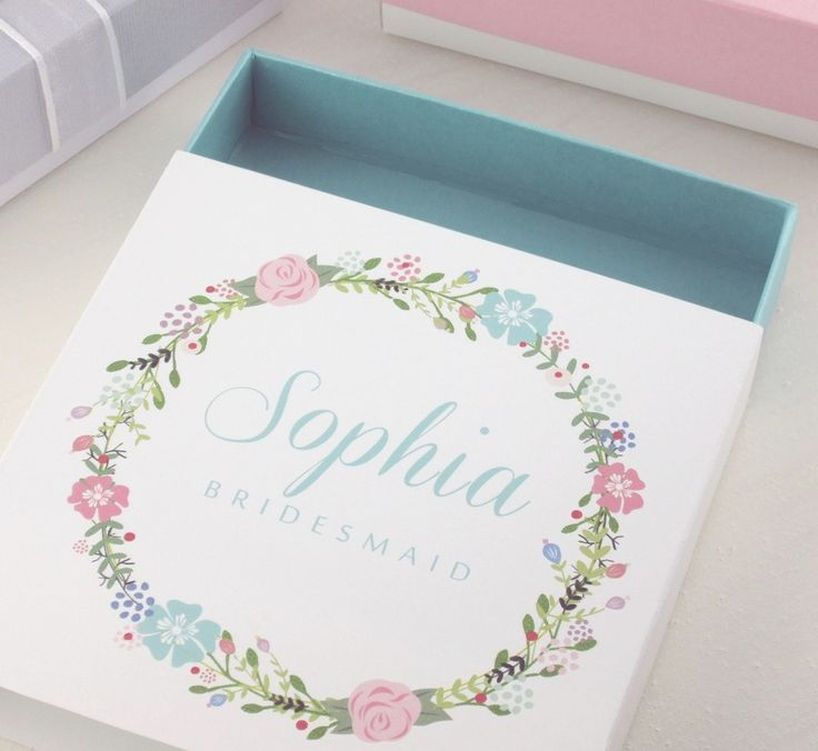 Delight your bridesmaids with our personalized bridesmaid gift box, choose and customize your maid of honor gift box