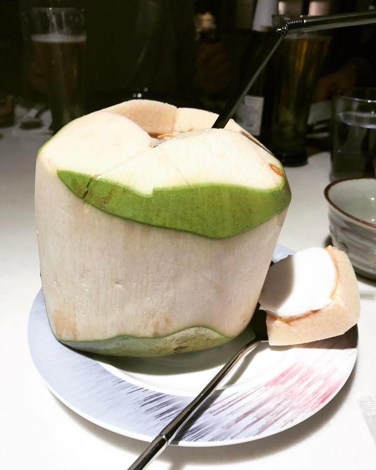 椰青是我到泰國餐廳必點的飲品,清甜解渴,椰子肉都很容易就能用匙羹刮出來,這個都不例外!#blueelephant #thaicuisine #hk #restaurant #youngcoconut #mrsmissylovestoeat http://w3food.com/ipost/1508156179526939539/?code=BTuDA4Cg3OT