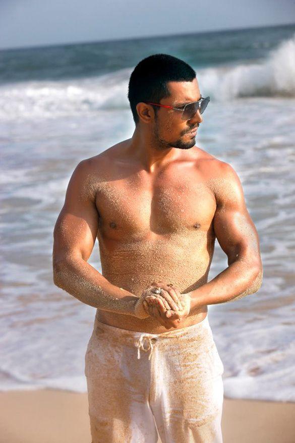 Is Varun Dhawan Bollywoods New Gay Icon? - YouTube