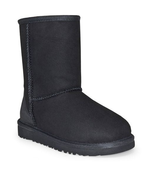 Classic Boot in Black by Ugg provides all the same features and benefits of its grown-up boot! This boot features a Twinface sheepskin upper, nylon binding, foam and UGGpure™ wool insole for comfort,
