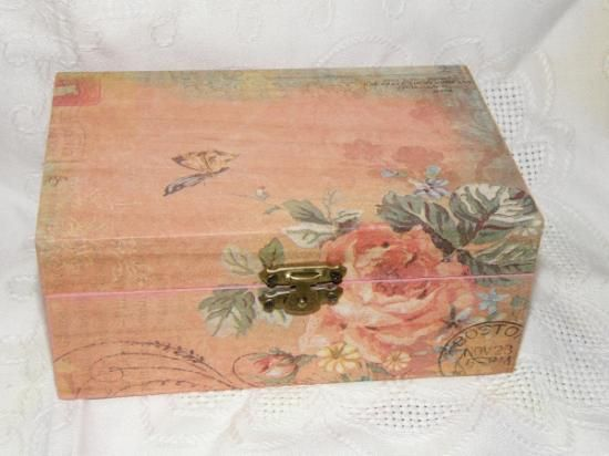 Caja vintage rosa