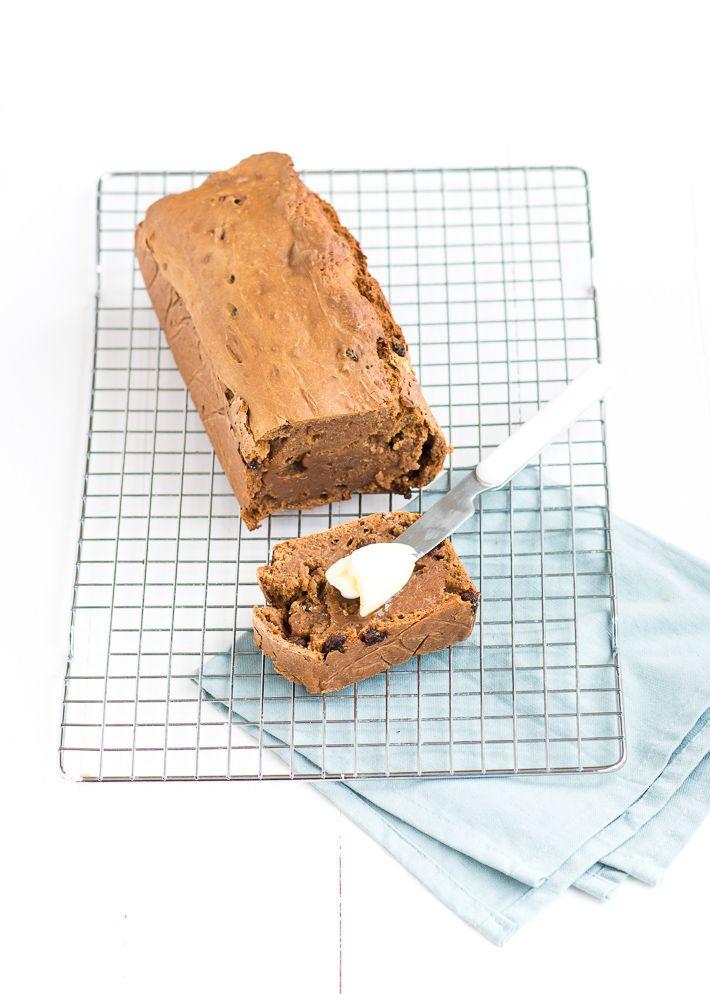 Dit makkelijke recept voor ontbijtkoek komt uit Mag ik nog een hapje. Het handboek voor kinderen.