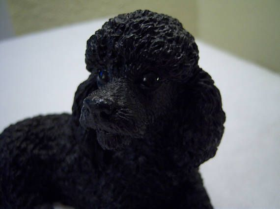 black poodle figurine,made in Italy,original by Castagna, 1988,poodle lying down,dog lovers,resin material,home decor,gift,poodle collectors