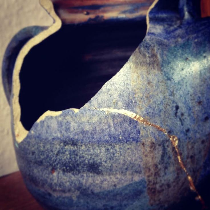 Broken tea pot, just about to be revived with gold and a lot of patience. Golden Phoenix - Pottery rising from the ashes  #Phoenix #Gold #kintsugi #kintsukuroi