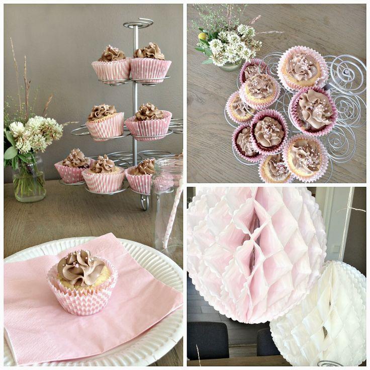 Manuela's Express Vanilla Cupcakeswww.stjernevn.blogspot.com