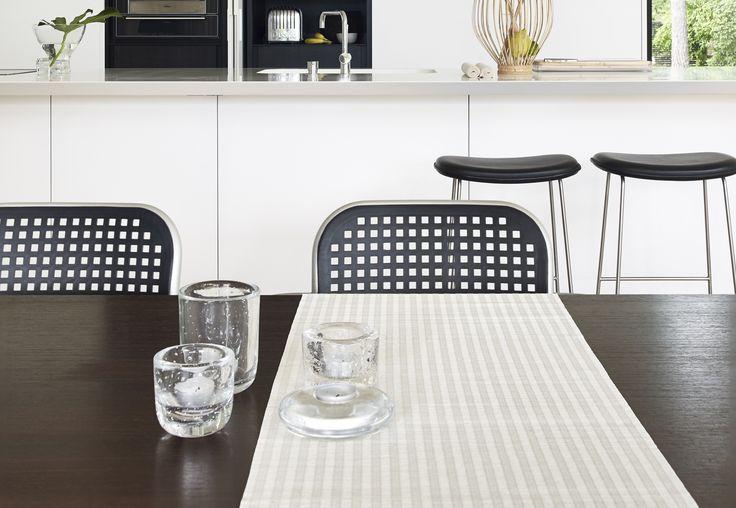 Woodnotes Vista table runner col. white. #tabletextile #tablesetting #diningroom #kattaus #kattaustekstiili #kaitaliina #homedecor