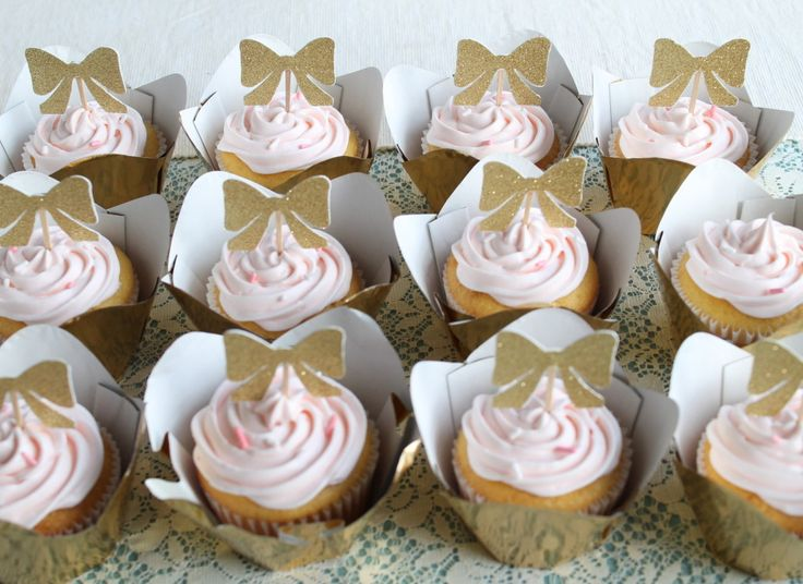 Cute Party Theme for a Girl: Bow Bash!Cupcakes W Toppers, Birthday Girls, Birthday Bows, Cupcakes Toppers, 2Nd Birthday, Ai Events, Cupcake Toppers, Bows Cupcakes, Birthday Ideas