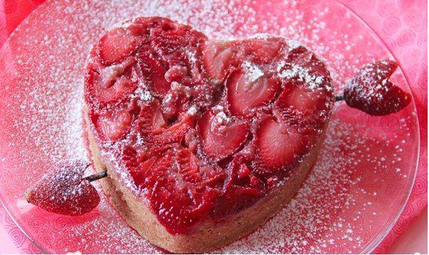 Клубничный пирог на 14 февраля | Наша кухня - рецепты на любой вкус!