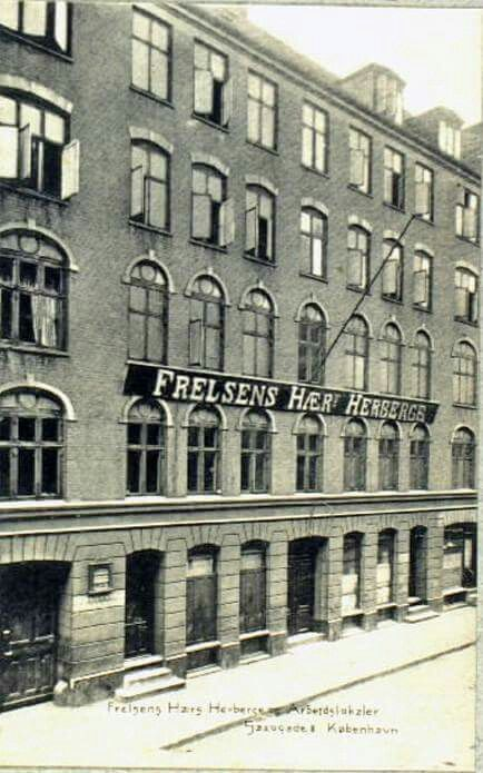 Frelsens Hærs Herberge og Arbejdslokaler. Foto fra Det kongelige Bibliotek.