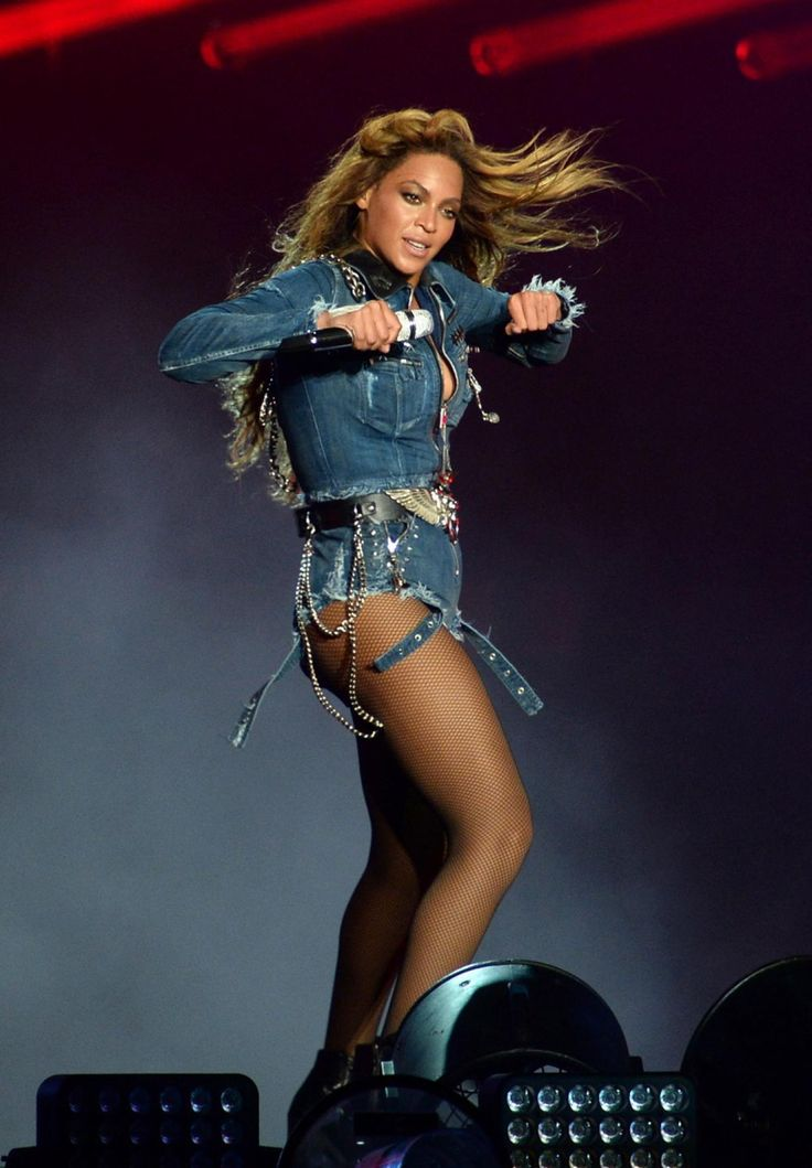 Beyonce and Jay Z open 'On The Run' tour in Miami - Photos ...